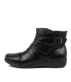 Paber Black Leather