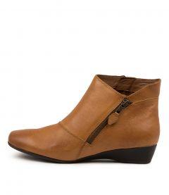 Rilla Tan Leather