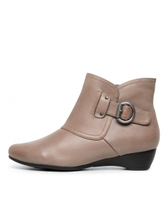DARBY SU TAUPE LEATHER